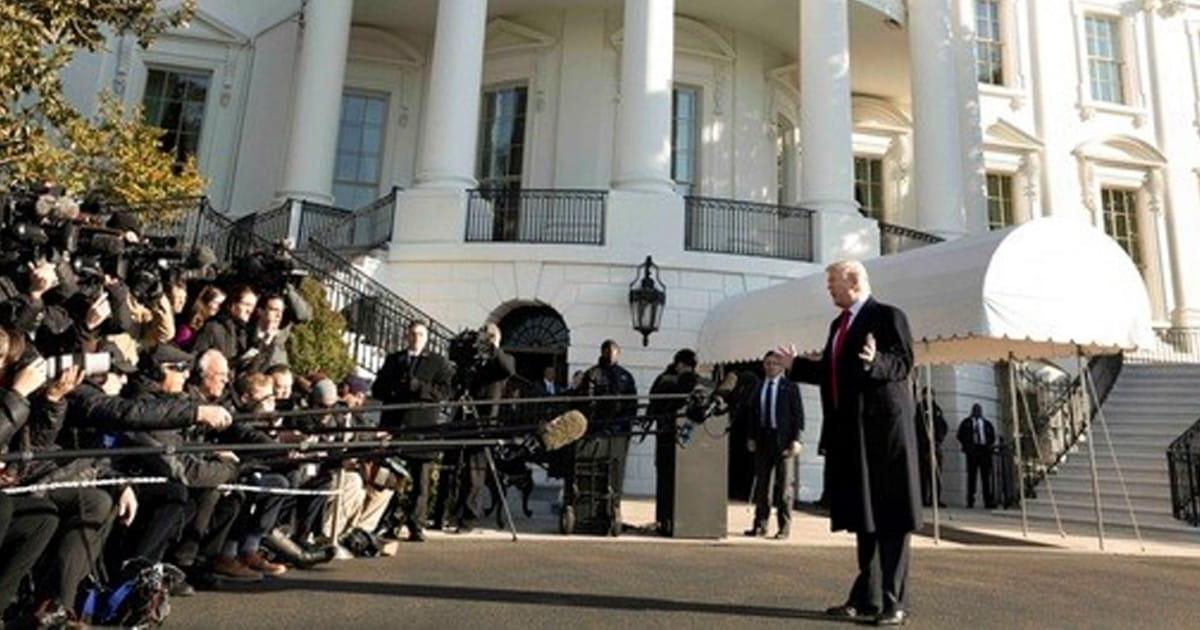 Le bras-de-fer se durcit entre la presse américaine et Donald Trump - La chronique de Laurence Haïm - Radio Classique