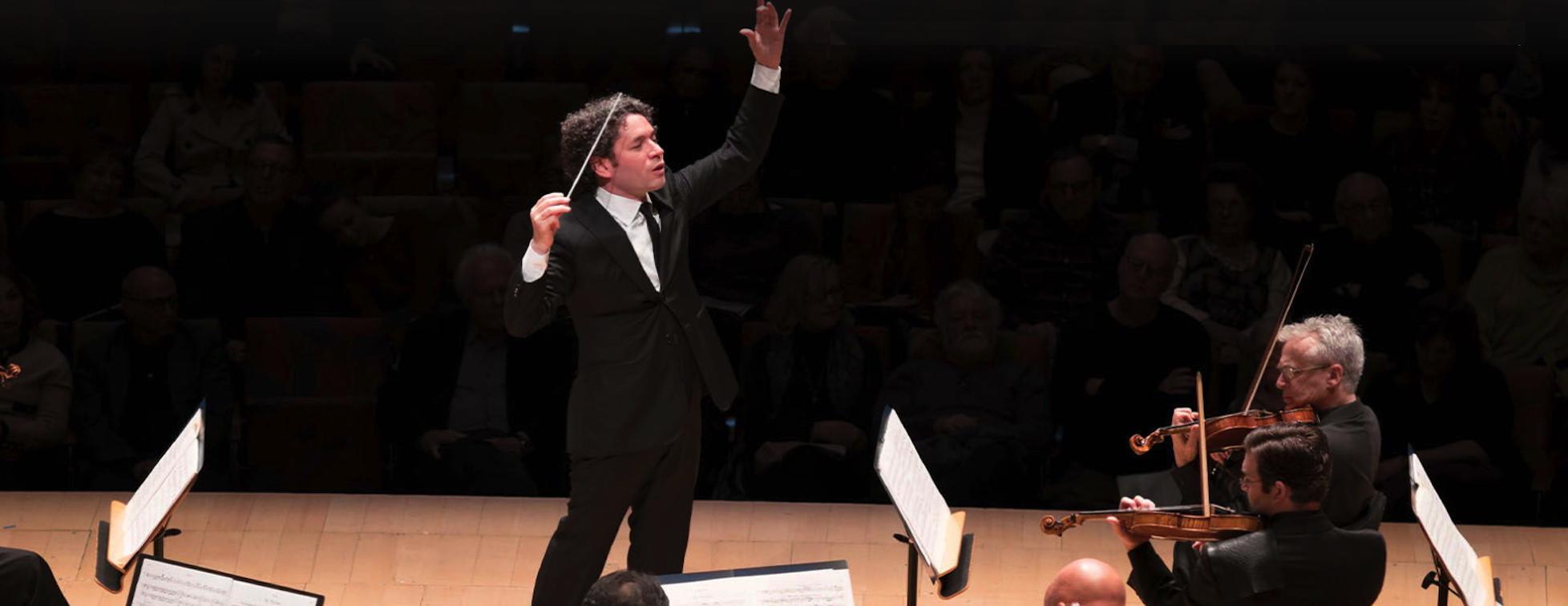 Gustavo Dudamel prolongé à la tête du Philharmonique de Los Angeles jusqu'à 2026